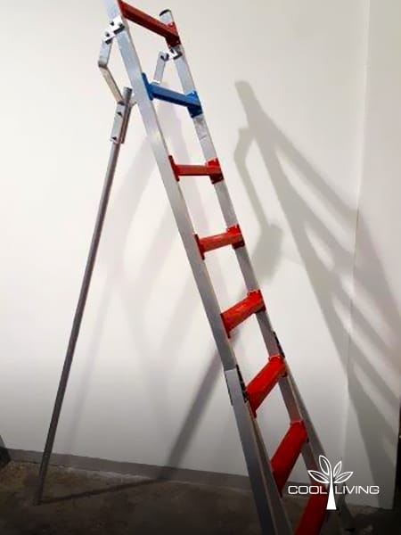 Side view of StepUp ladder single broad step size from bottom to top step