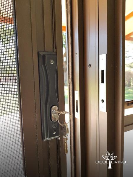 Security Screen Slam Lock